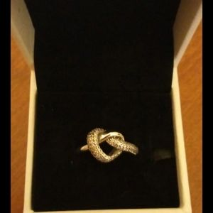 NWT Pandora Twisted Heart Ring Size 6